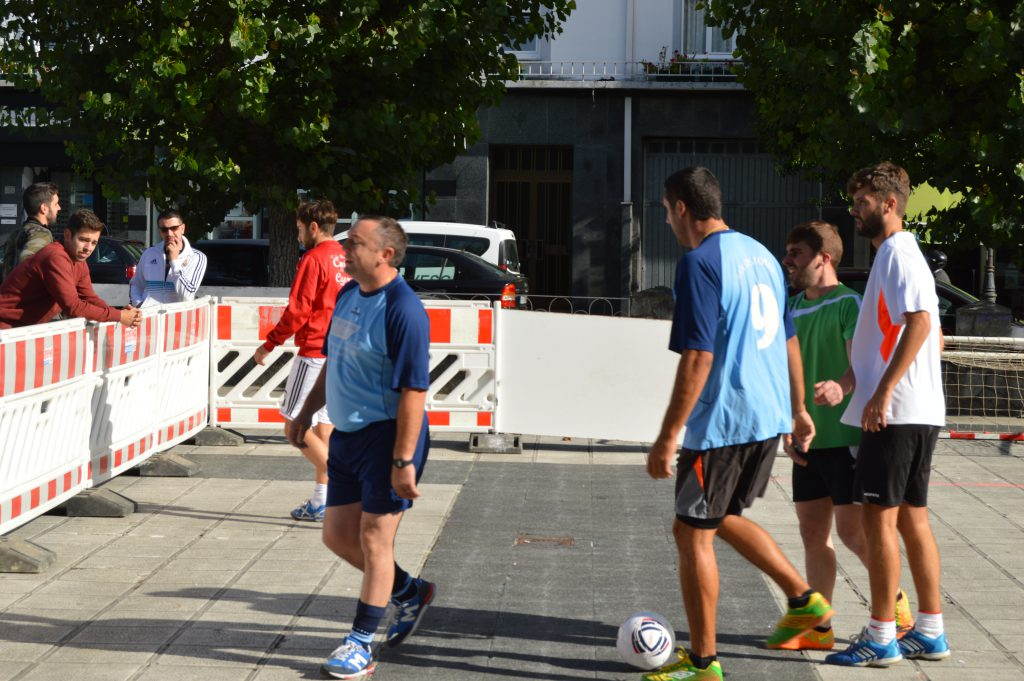 2016-09-17-torneo-de-futbol-3x3-1
